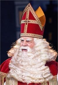 220px-Sinterklaas_2007.jpg