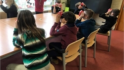 06-02-2019 Les met Virtual Reality brillen