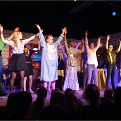 """Musical """"de 7 meisjes van de maneschijn"""", groep 3a"""