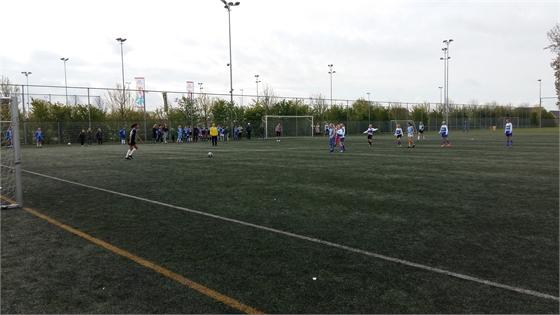 schoolvoetbal.jpg